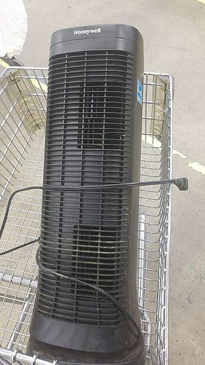 Honeywell HFD 320 Air Filter Purifier Oscilating for Sale in Munhall, PA