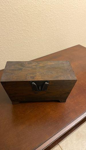 Wood Box for Sale in Miami, FL