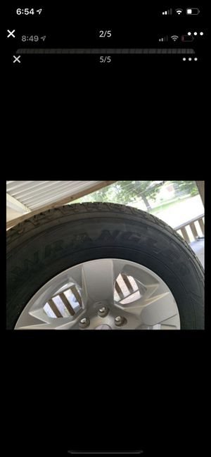 """18"""" Chevy Silverado rims and tires for Sale in Balch Springs, TX"""