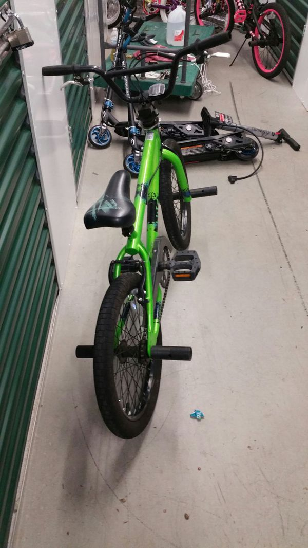 Boys mongoose bike
