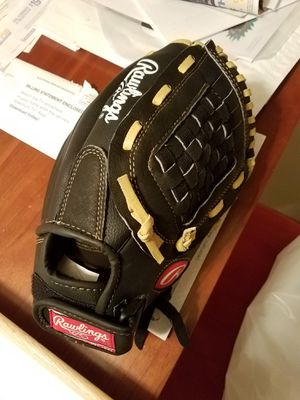 Rawlings Softball glove for Sale in St. Louis, MO