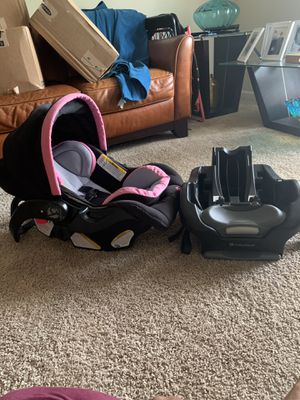 Baby Trend infant car seat for Sale in Dothan, AL