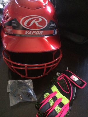 Softball helmet and batting gloves for Sale in Chicago, IL