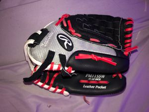 Softball glove for Sale in San Diego, CA