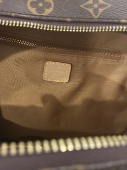 Great Condition Mens Louis InventPDR Book Bag for Sale in Philadelphia,  PA