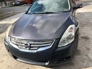 Nissan altima 2011 for Sale in Miami, FL