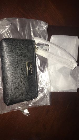 Cole Haan double wristlet for Sale in Columbus, OH