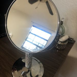 Pearl Deco Vanity Mirror for Sale in San Antonio, TX