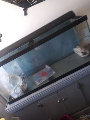 90 gallon fish tank with stand for Sale in Long Beach, CA