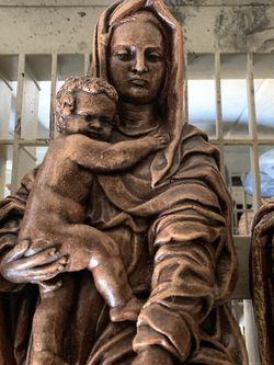 Mother Mary And Baby Jesus Christ Concrete Statue 20 Inch Tall for Sale in Hialeah,  FL