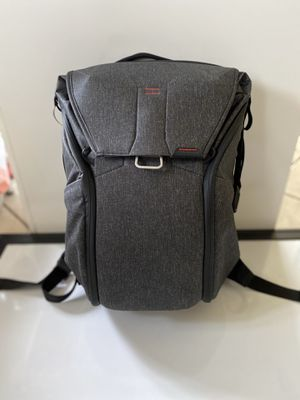 Peak Design Everyday Backpack 20L for Sale in Los Angeles, CA