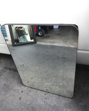 "Beautiful oval mirror 34""x26""clean and strong for Sale in Downey, CA"