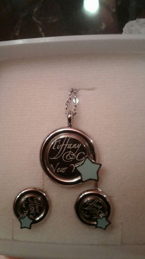 Tiffany & Co New York earring and necklace Set for Sale in Modesto, CA