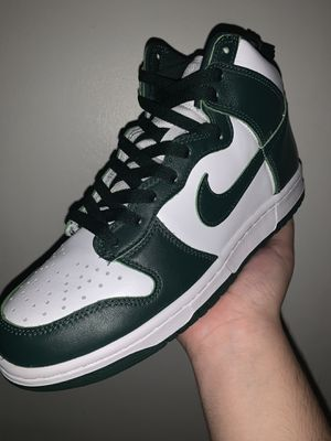Spartan Green dunks Size 8.5 for Sale in Los Angeles, CA