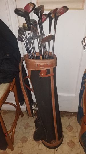 Vintage Golf Bag With Clubs for Sale in Bronx, NY