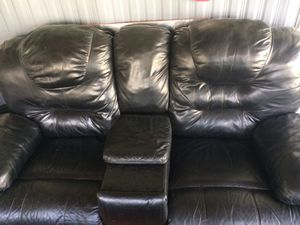 Pull out couch & recliner loveseat for Sale in New Port Richey, FL