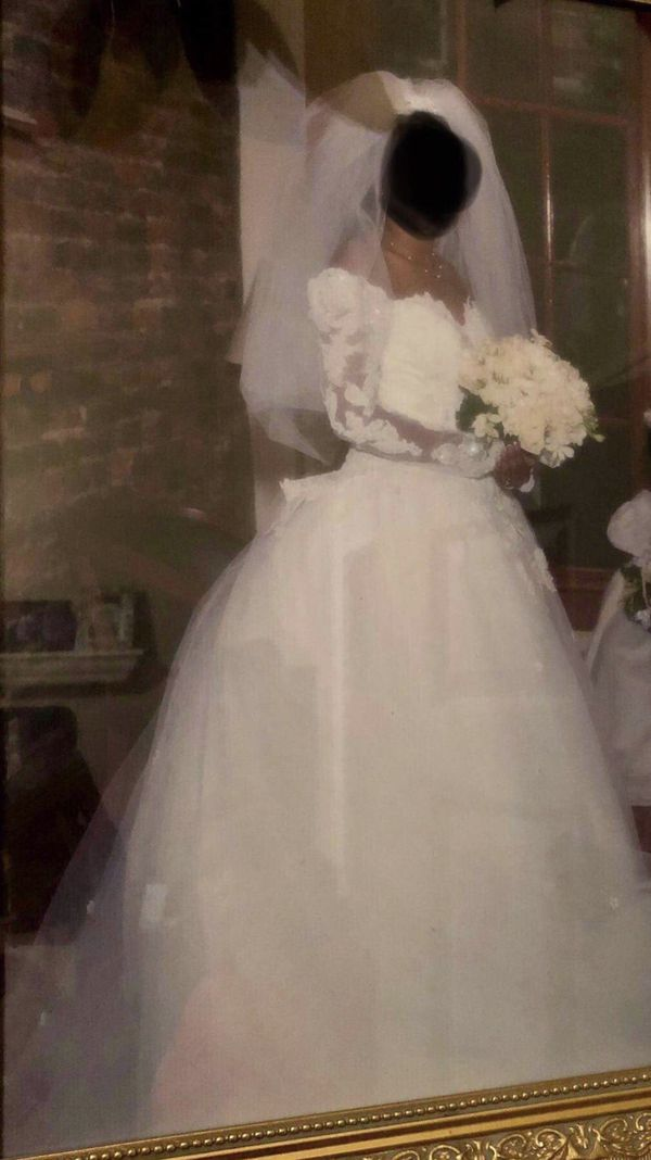 Eve of milady! Size 8 wedding dress