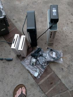 2 Xbox 360 And 2 Wii for Sale in La Habra,  CA
