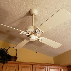 Free Ceiling fan for Sale in Jupiter, FL
