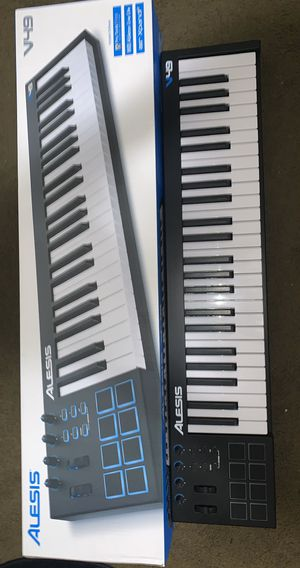 Alesis V49 | 49 Key Midi keyboard with pads and knobs. for Sale in Kalamazoo, MI