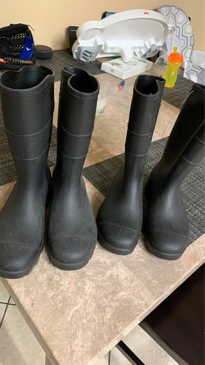 Rain boots 2 pairs for Sale in Riverside, CA