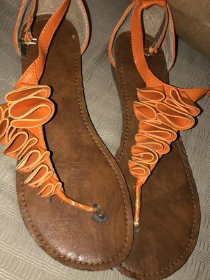 Free sandals size 9 for Sale in Pomona, CA