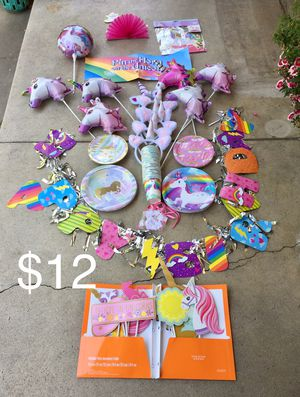 UNICORN 🦄 PARTY DECOR SUPPLIES PLATES BALLOONS for Sale in Ontario, CA