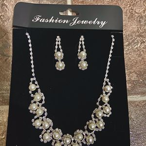 Pearl and Diamond Necklace and Earring Set for Sale in Covina, CA