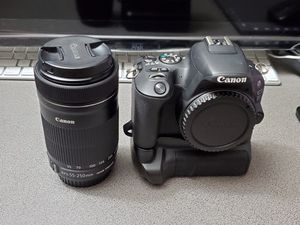 Canon EOS 200D SL2 24.2MP Digital Camera - Black with EF-S 55-250mm IS STM for Sale in Fort Lauderdale, FL