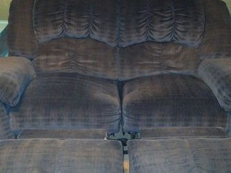 Dual Reclining Loveseat for Sale in Beaverton,  OR