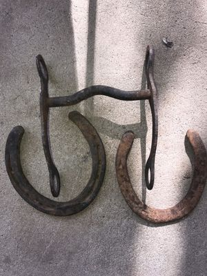 Western bit and two horseshoes for Sale in Fresno, CA