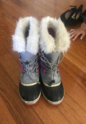 Sorel Boots Size 3 Girls for Sale in Denver, CO