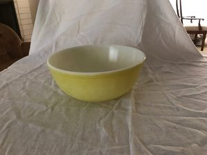 Vintage Pyrex bowl for Sale in La Cañada Flintridge, CA