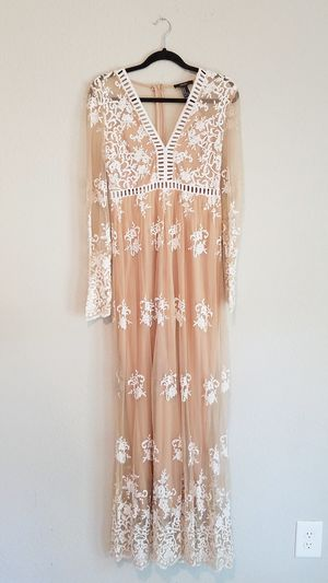 A003 - Nude and White Lace Maxi Dress for Sale in Dickinson, TX