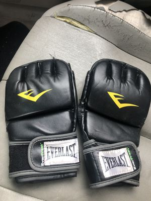 Everlast UFC fighting gloves $20 for Sale in Los Angeles, CA