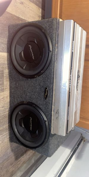 2 12s an a 2way amp works perfectly fine 350 obo Pioneer for Sale in Hartford, CT