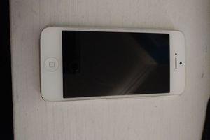 IPhone 5 32gb ATT for Sale in San Francisco, CA