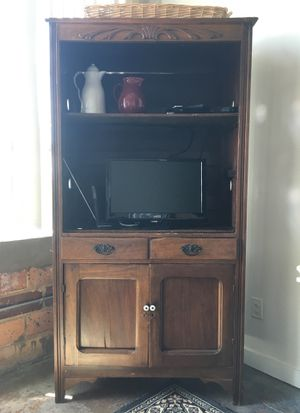 Antique hutch w/2 drawers, closed bottom w/1 shelf, and open top with 2 shelves for Sale in Dallas, TX