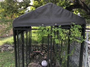 Used Dog Cage Good for shade or when you have a barbecue & so you can put your dog away so he won't be on everyone food or all over little kids new l for Sale in Miami, FL
