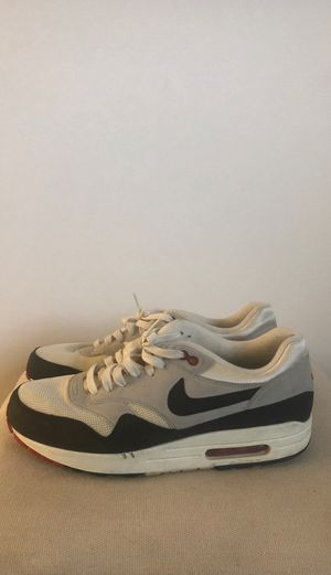 NIKE Air MAX, men's athletic shoes, hardly used, size 10.5, white/grey, navy blue for Sale in Sunnyvale, CA