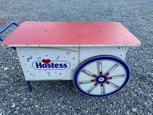 Collectible Hostess Antique Display Cart. for Sale in Catlett, VA