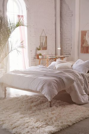 Urban Outfitter Queeb Bohemian Platform Bed for Sale in Los Angeles, CA
