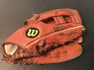 Vintage Kirk Gibson model Wilson baseball glove leather cowhide for Sale in Oak Forest, IL
