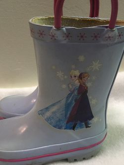 Frozen Anna Elsa And Olaf Toddler Girls Size 5/6 Rain Boots for Sale in North Riverside,  IL