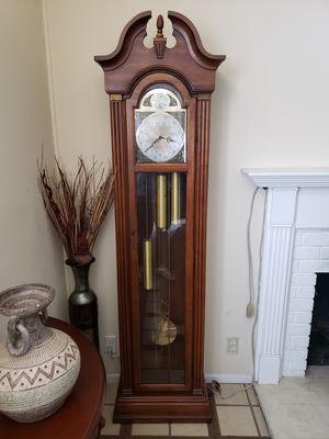 Antique clock, doesn't work just for aesthetic purposes for Sale in Anaheim, CA