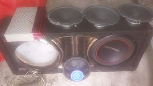 Box amp an speakers for Sale in Lakeland, FL