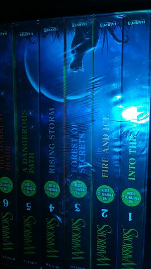 Complete first series of HUNTER WARRIORS by Erin Hunter. Six novels. for Sale in Salt Lake City, UT