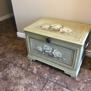 Chest for Sale in Phoenix, AZ