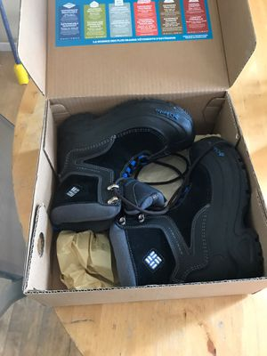 Columbia kids snow boots size 2 for Sale in San Diego, CA