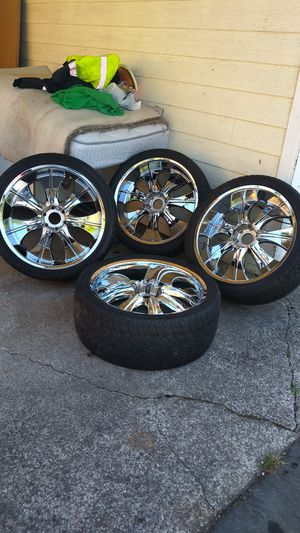 Rim and tires 24 6 lug for Chevy Tahoe and Silverado Yukon GMC Yukon $590 cash only for Sale in Seattle, WA